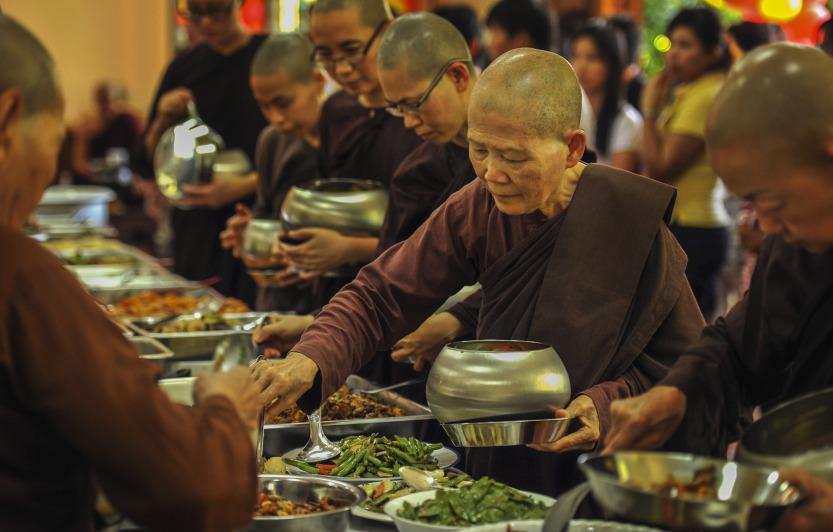 theravada-buddhism-1856677_1920.jpg